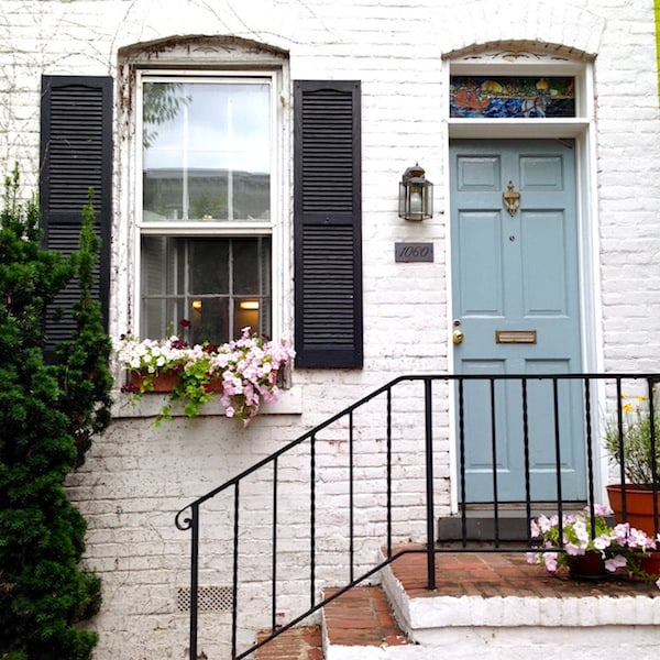 Georgetown Doorstep