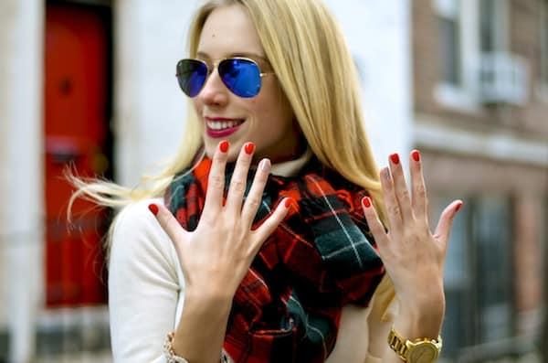 Holiday Glitter Manicure