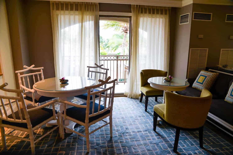 Ritz-Carlton Grand Cayman Club Lounge