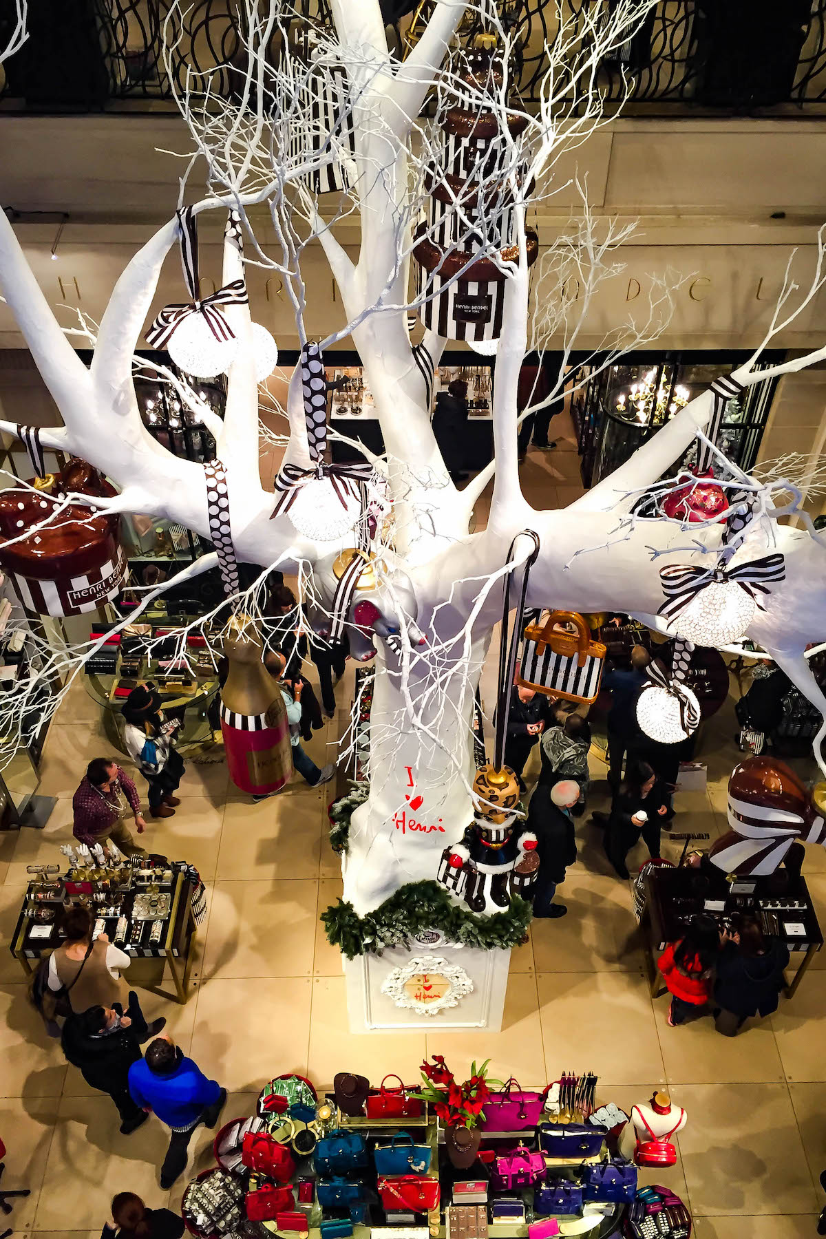 Henri Bendel New York Store Christmas Decorations | New York City Holiday Guide