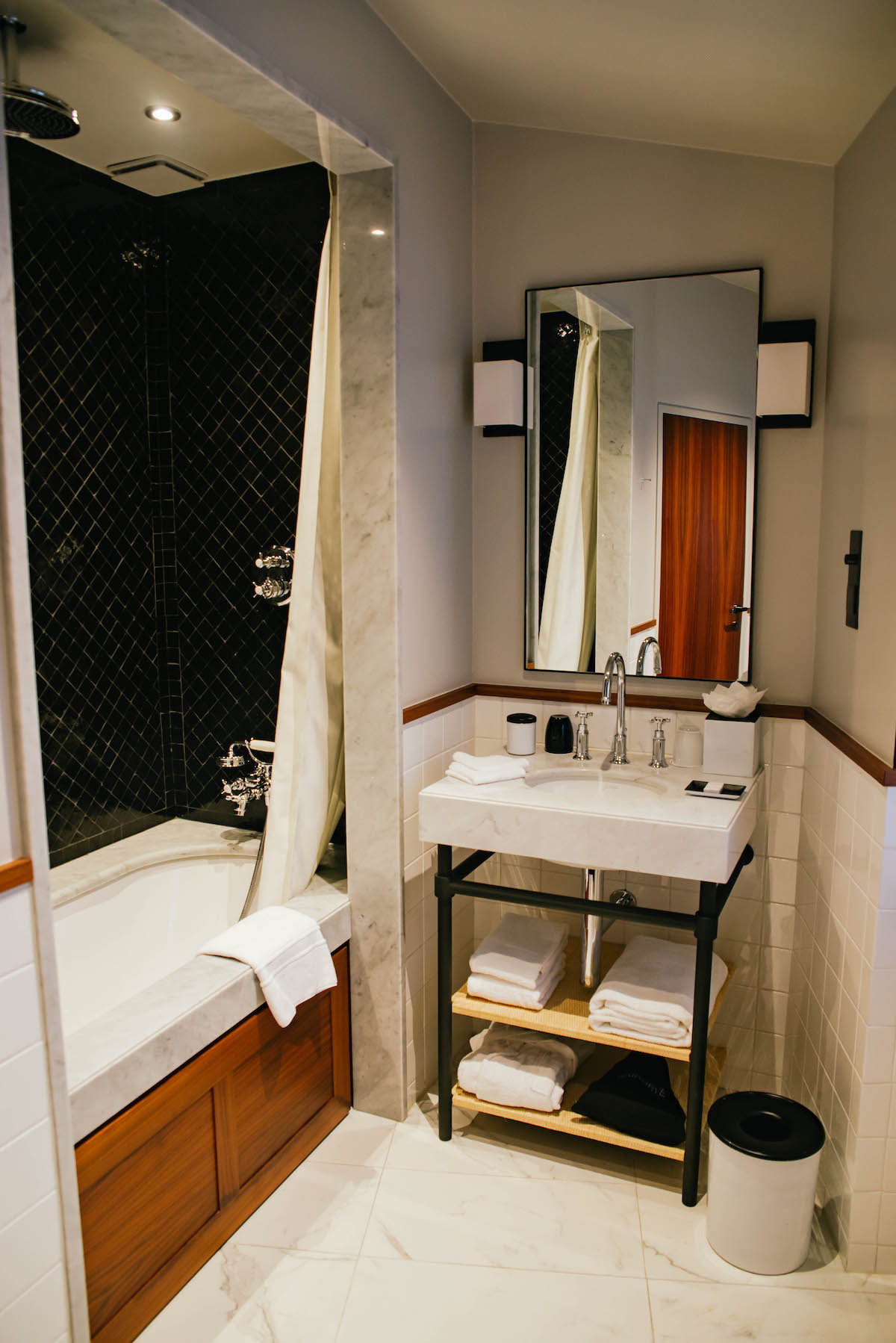 Le Roch Hotel and Spa Guest Room