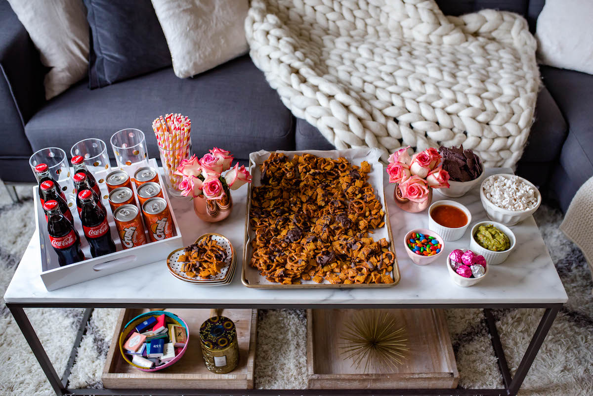 Tips For Hosting The Perfect Girls' Movie Night In + An Easy Party Mix Recipe