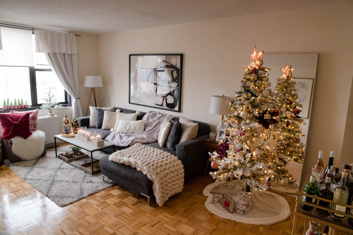 New York City Apartment Holiday Decorations