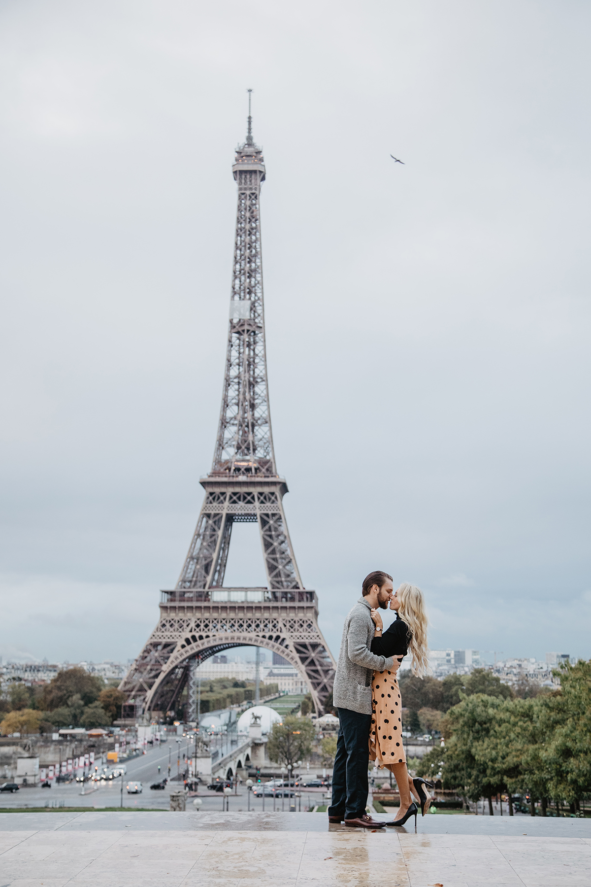 Eiffel Tower Couple Photography