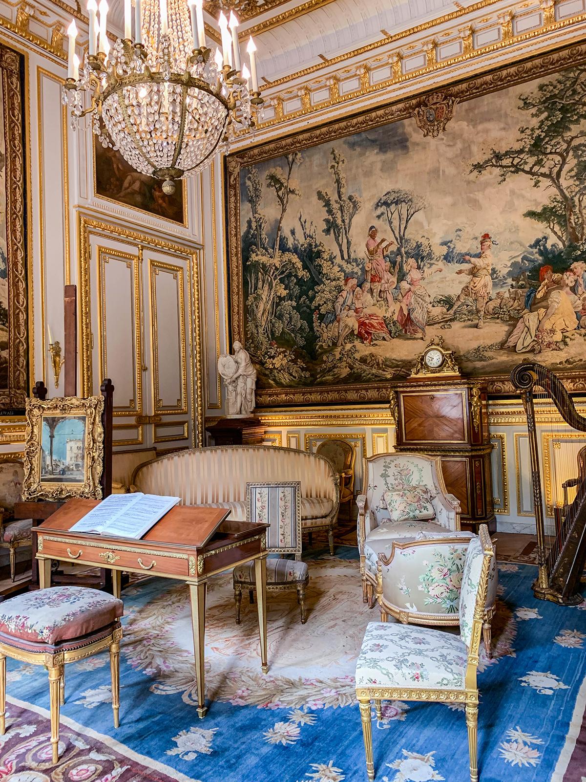 Paris Honeymoon Travel Guide
