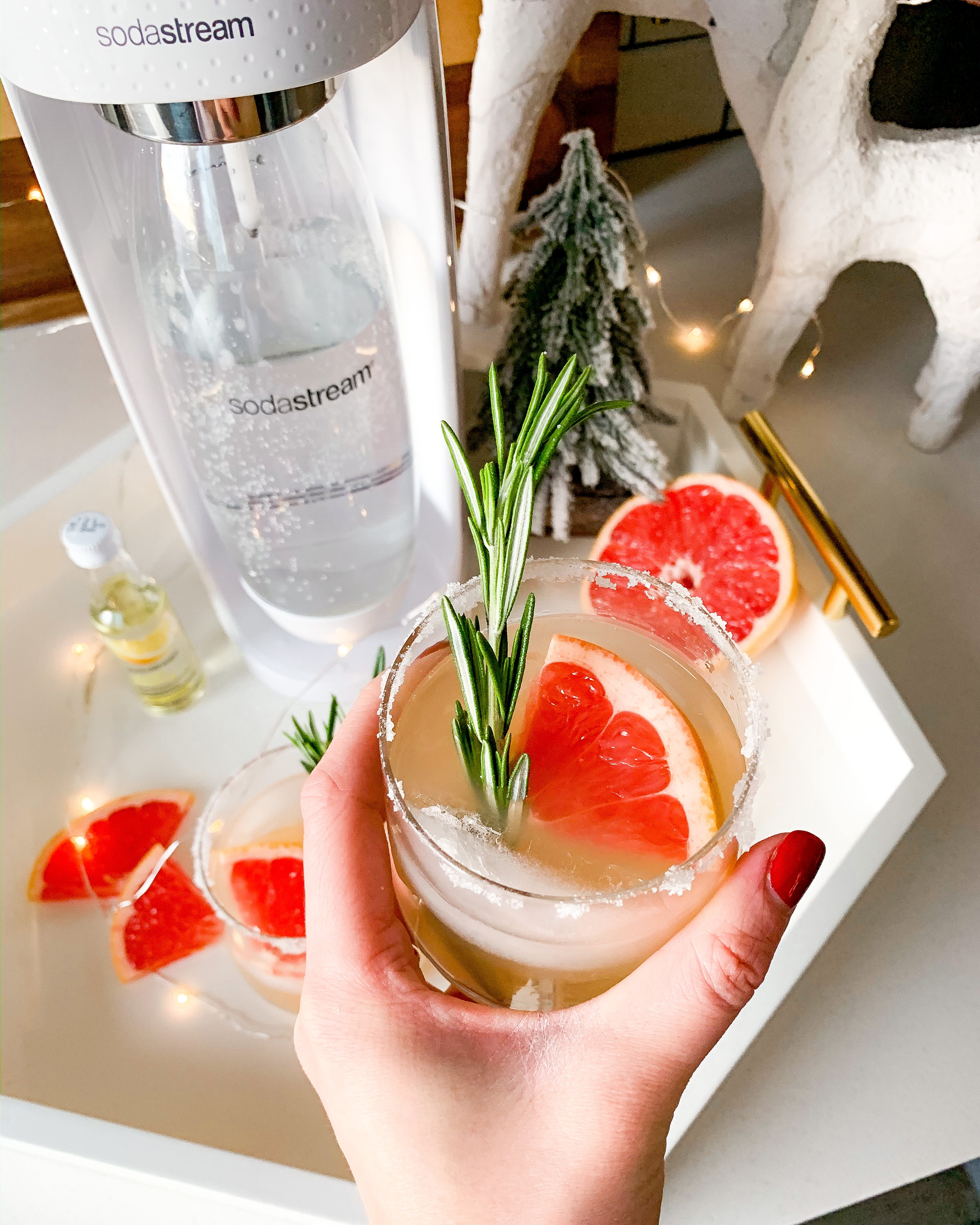 Sparkling Grapefruit Rosemary Holiday Cocktail