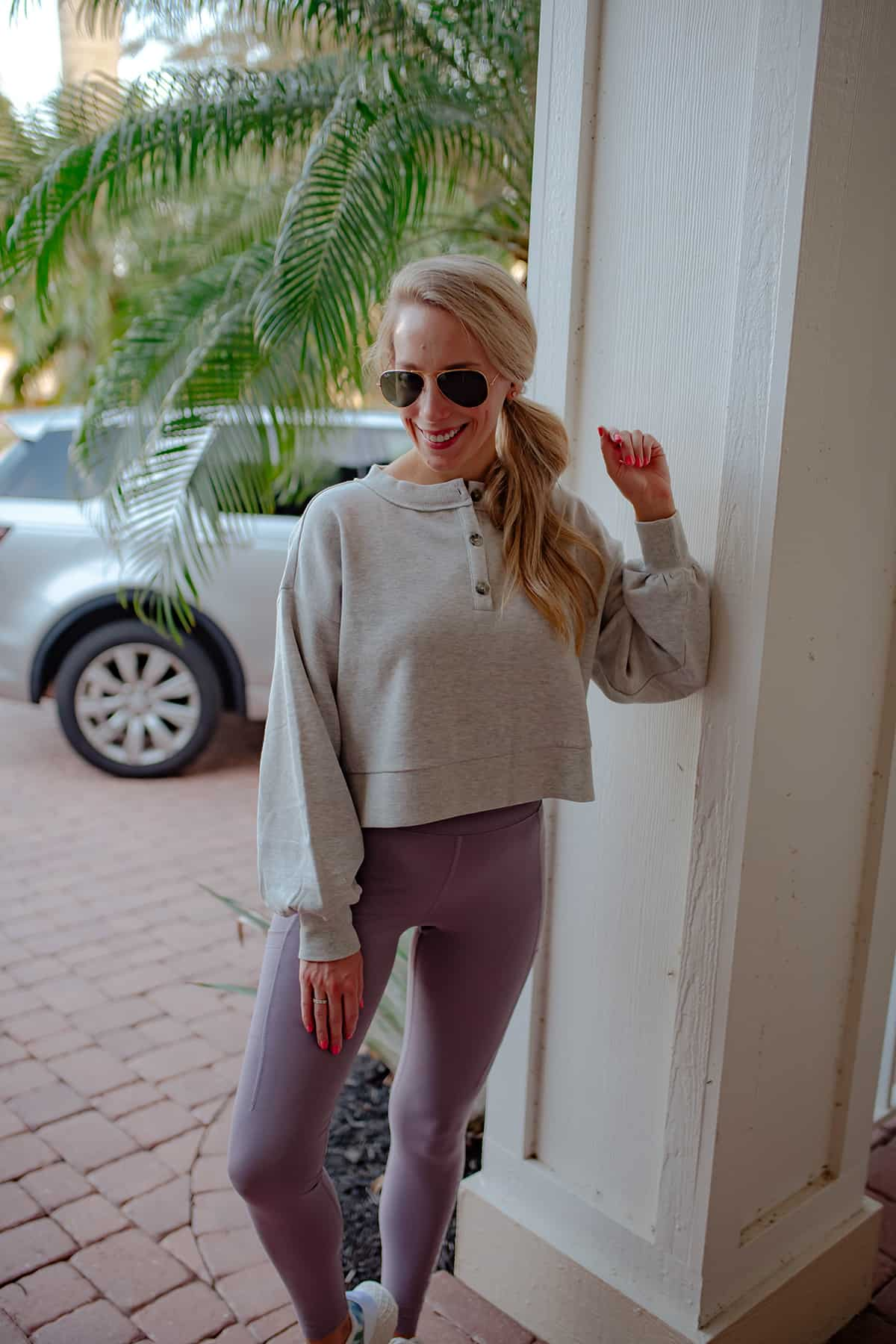 BP Cropped Pullover